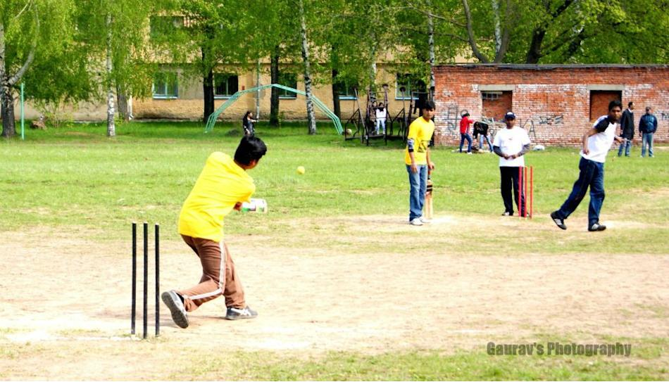 5 - Cricket in  Russia (Kazan) - Vinayak Mehetre - http://www.flickr.com/people/786512/