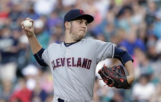 Walker, Smith lead Mariners to 2-1 win over Indians