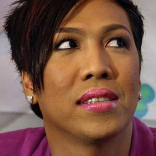 vice ganda marlo cueto nppa images vice ganda would rather let bygones
