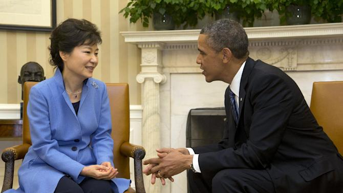 President Barack Obama, right, and South Korean President Park Geun-Hye, left, during their meeting in the Oval Office of the White House in Washington, Tuesday, May 7, 2013. (AP Photo/Pablo Martinez Monsivais)