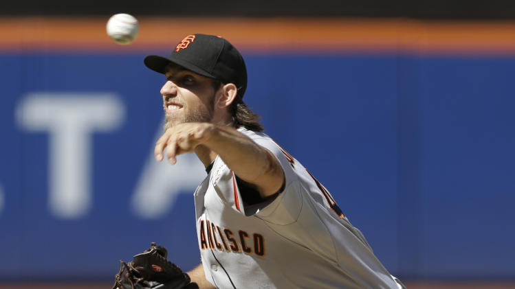 Bumgarner strikes out 10, Giants edge Mets 2-1