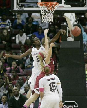 Welch's 16 lead No. 6 South Carolina to 67-49 win