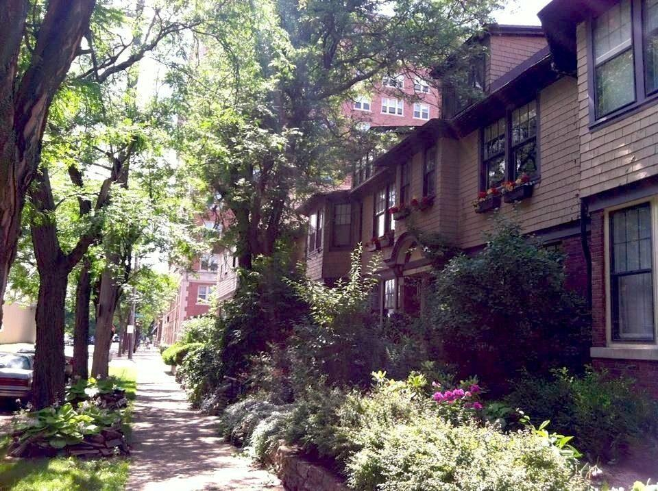 Rent Check: Walk Everywhere From a Scenic West Village Townhouse