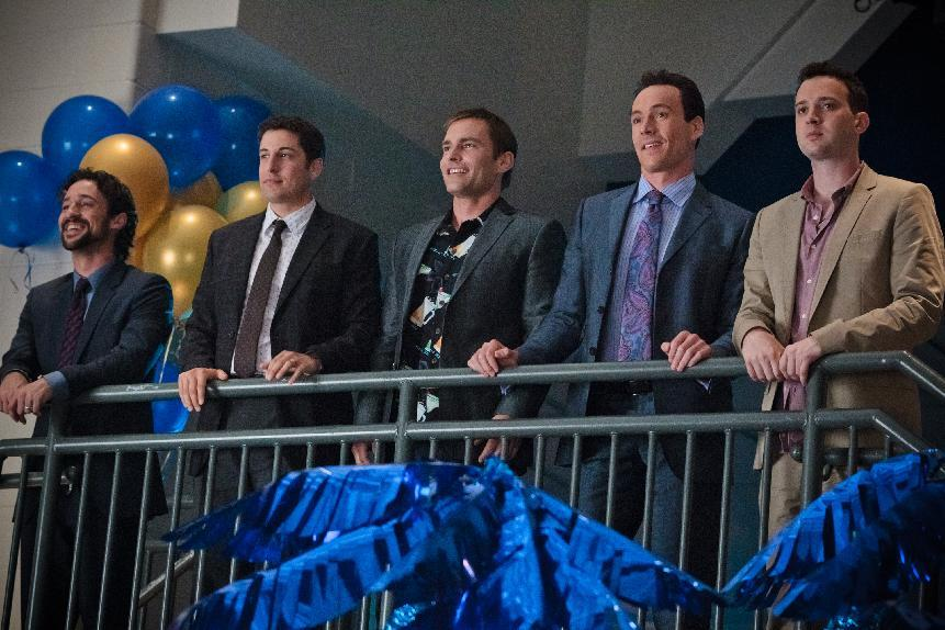 "In this image released by Universal Pictures, from left, Thomas Ian Nicholas), Jason Biggs, Seann William Scott, Chris Klein and Eddie Kaye Thomas are shown in a scene from ""American Reunion"".  (AP Photo/Universal Pictures, Hopper Stone)"