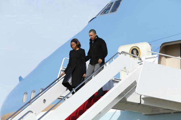 U.S. President Obama and first lady Michelle arrive at Joint Base Andrews outside Washington
