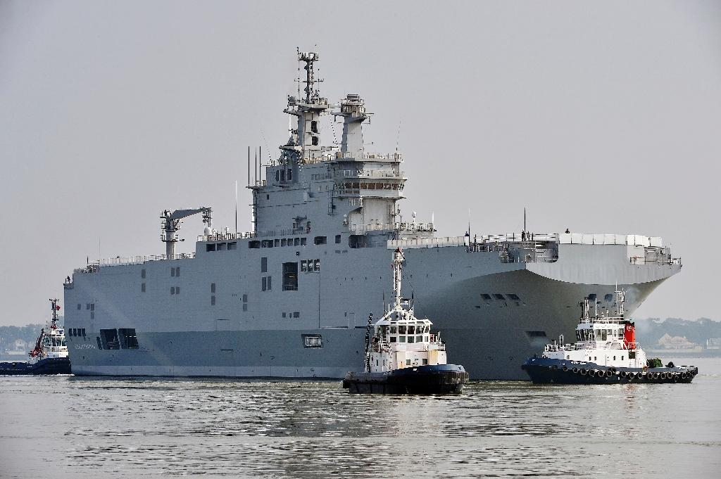 France, Russia negotiating solution to frozen warship deal: Hollande