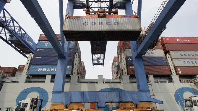 US trade deficit grew slightly to $42B in July
