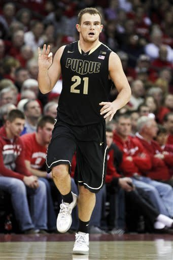 Byrd scores 22, Purdue upends No. 17 Wisconsin