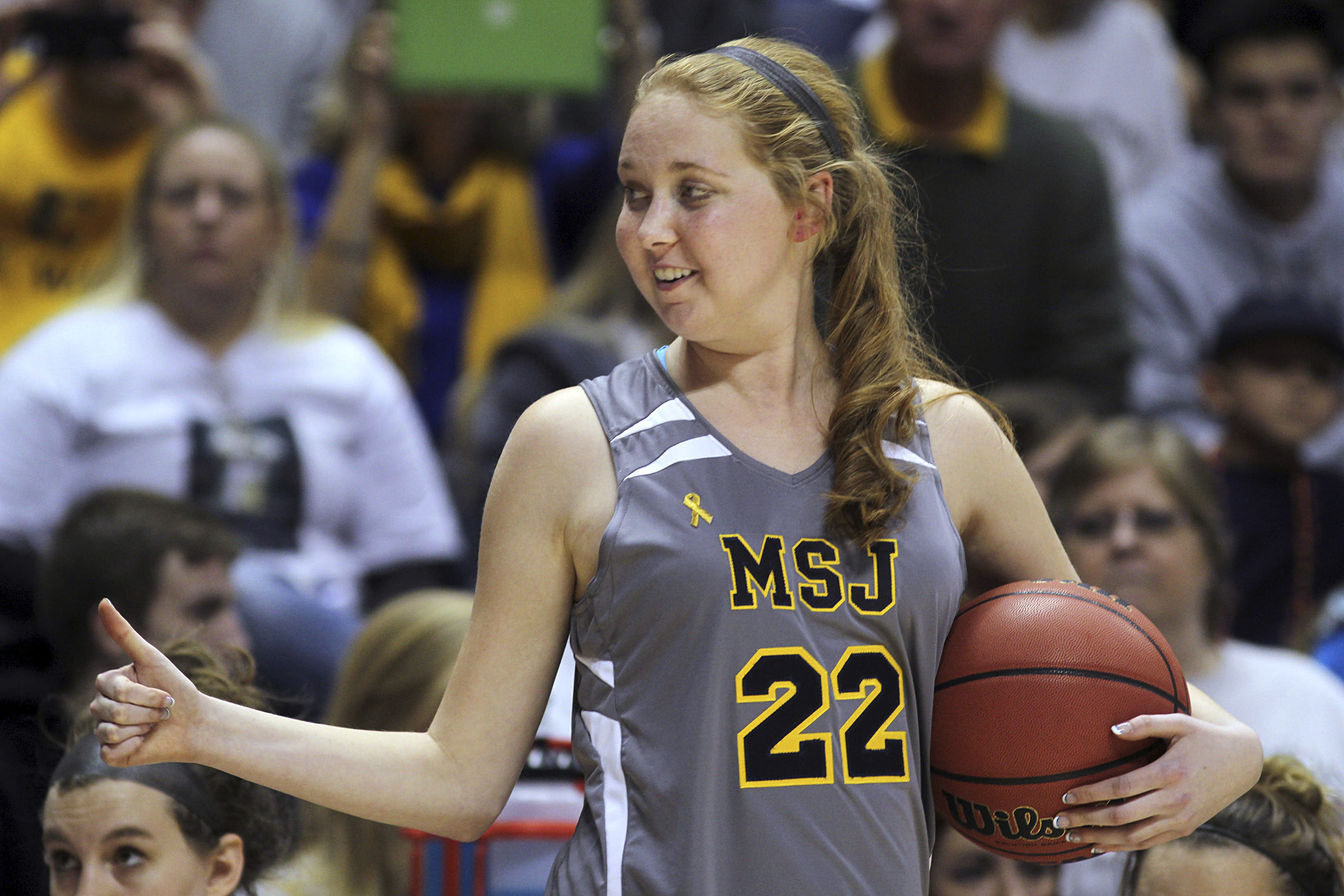 Lauren Hill to become honorary coach