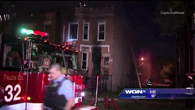 Fire victims in Chicago`s Little Village neighborhood jump to safety