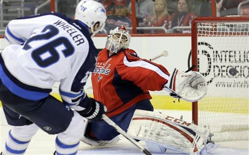 4-2 home loss to Jets leaves Oates, Capitals 0-2