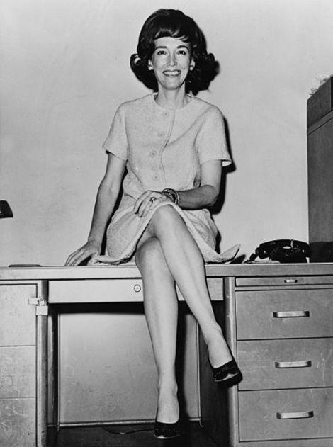 Celebrities Tweet About Cosmopolitan Editor Helen Gurley Brown's Death at Age 90