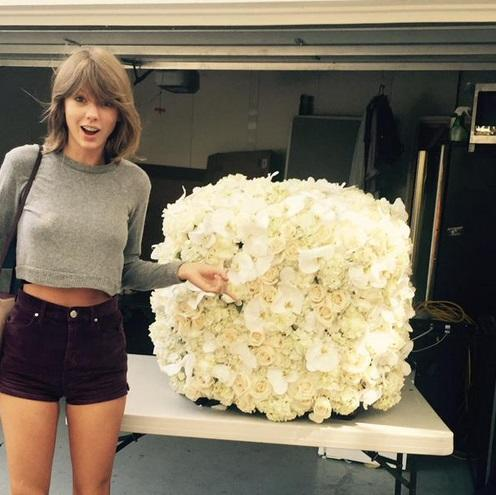 Kanye West Sent Taylor Swift Flowers After The VMAs