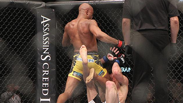 Anderson Silva hits Chael Sonnen