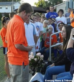 Silver Creek boys soccer coach Colin Bell proposes to girlfriend Morgan Young