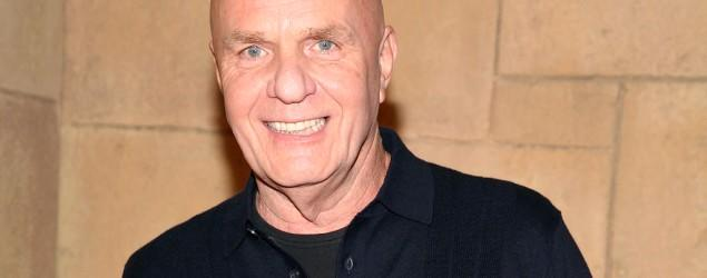 Self-help author Wayne W. Dyer dies at 75