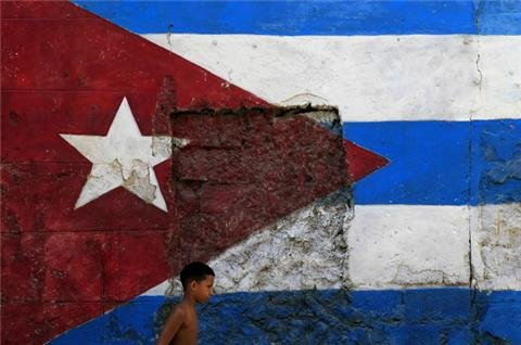 US delegation visits Cuba to ease tensions