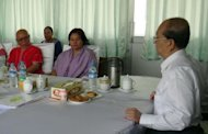 This picture obtained from a talks negotiating company shows Myanmar President Thein Sein (R), Karen National Union (KNU) General Secretary Naw Si Pho Ra Sein (C) and KNU's General Mutu Saipo (L) during a meeting in Naypyidaw
