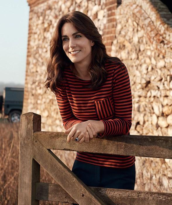 Kate Middleton Looks Countryside Chic on Historic Cover of 'Vogue'