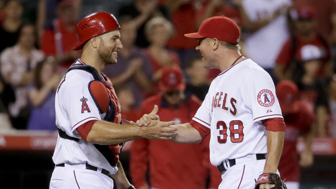 Angels beat Blue Jays after Weaver is injured