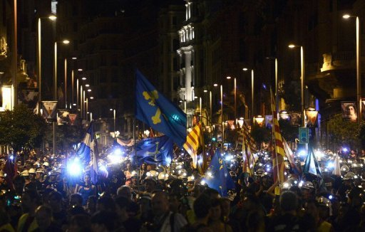 Thousands join coal miners in Madrid night march
