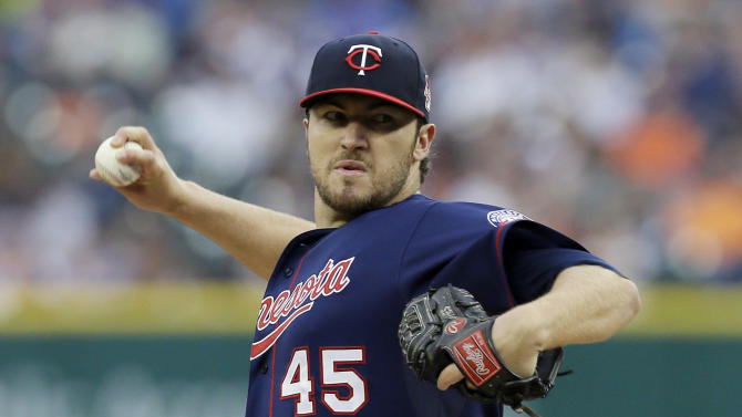 Twins finally beat Verlander, edge Tigers 2-1