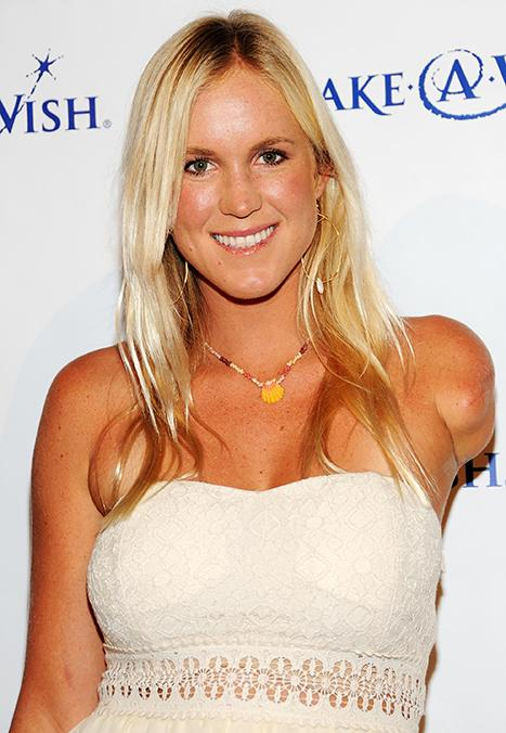 Pro Surfer Bethany Hamilton Marries Adam Dirks