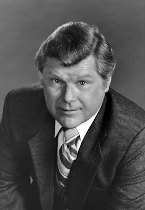 "This Feb. 24, 1982 photo released by ABC shows actor Bob Hasting, a cast member on the daytime series ""General Hospital,"" in Los Angeles. Hastings, an actor best known from the 1960s sitcom ""McHale's Navy,"" died Monday, June 30, 2014, at his home in Burbank, Calif. He was 89. Hastings won fans on ""McHale's Navy"" as Lt. Carpenter, a bumbling yes-man. Other memorable roles were on ""All in the Family"" and ""General Hospital."" (AP Photo/ABC Photo Archives)"