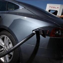 Tesla offering concessions to help pass direct sales bill in Connecticut
