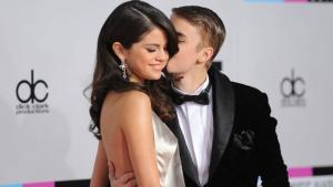 Selena Gomez Leaves Justin Bieber Over 'Trust Issues' (Report)