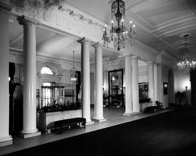 Photos of a White House gut renovation entrance hall november 1947