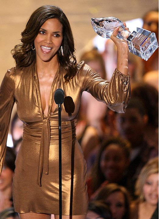 Halle Berry wins Favorite Female Action Star at The 33rd Annual People's Choice Awards.