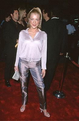Jennifer Aspen at the Mann's Chinese Theater premiere of Warner Brothers' Battlefield Earth