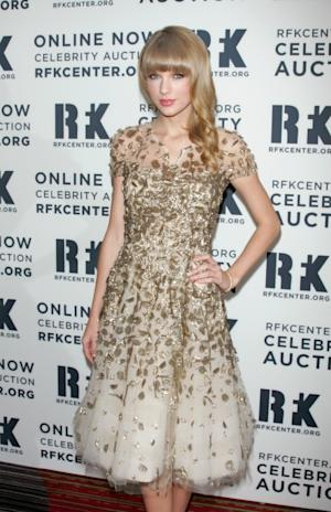 Taylor Swift dazzles at the 2012 Ripple Of Hope Gala at The New York Marriott Marquis on December 3, 2012 in New York City -- Getty Premium