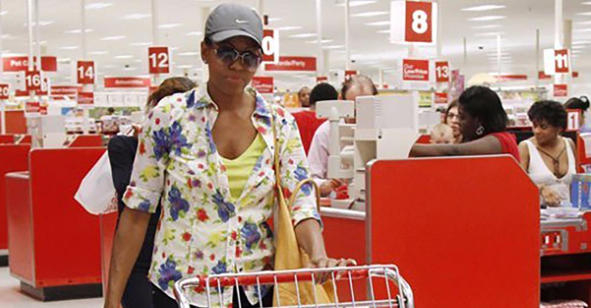 15 Celebs That Shop At Discount Stores