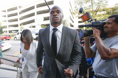 Adrian Peterson wins suspension appeal, NFL challenges ruling