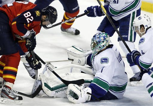Goc scores winner to lift Panthers past Canucks