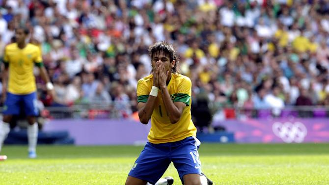 Brazil's Neymar reacts during the men's soccer final against Mexico at the 2012 Summer Olympics, Saturday, Aug. 11, 2012, in London. (AP Photo/Luca Bruno)