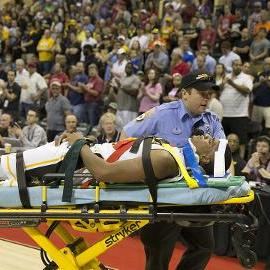 Wichita State F Anton Grady collapses on court after hitting head, taken off on stretcher