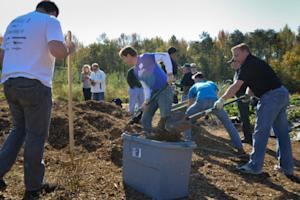 Applebee's Joins The Mission Continues to Kick Off Washington, D.C., Service Platoon