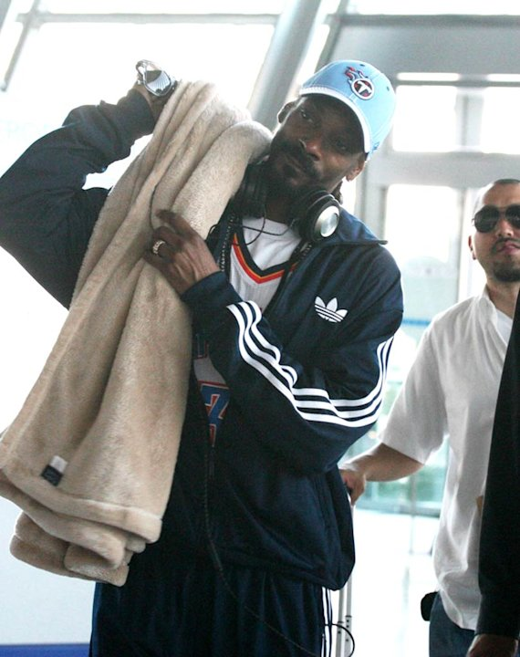 Snoop Dogg Paris Airport
