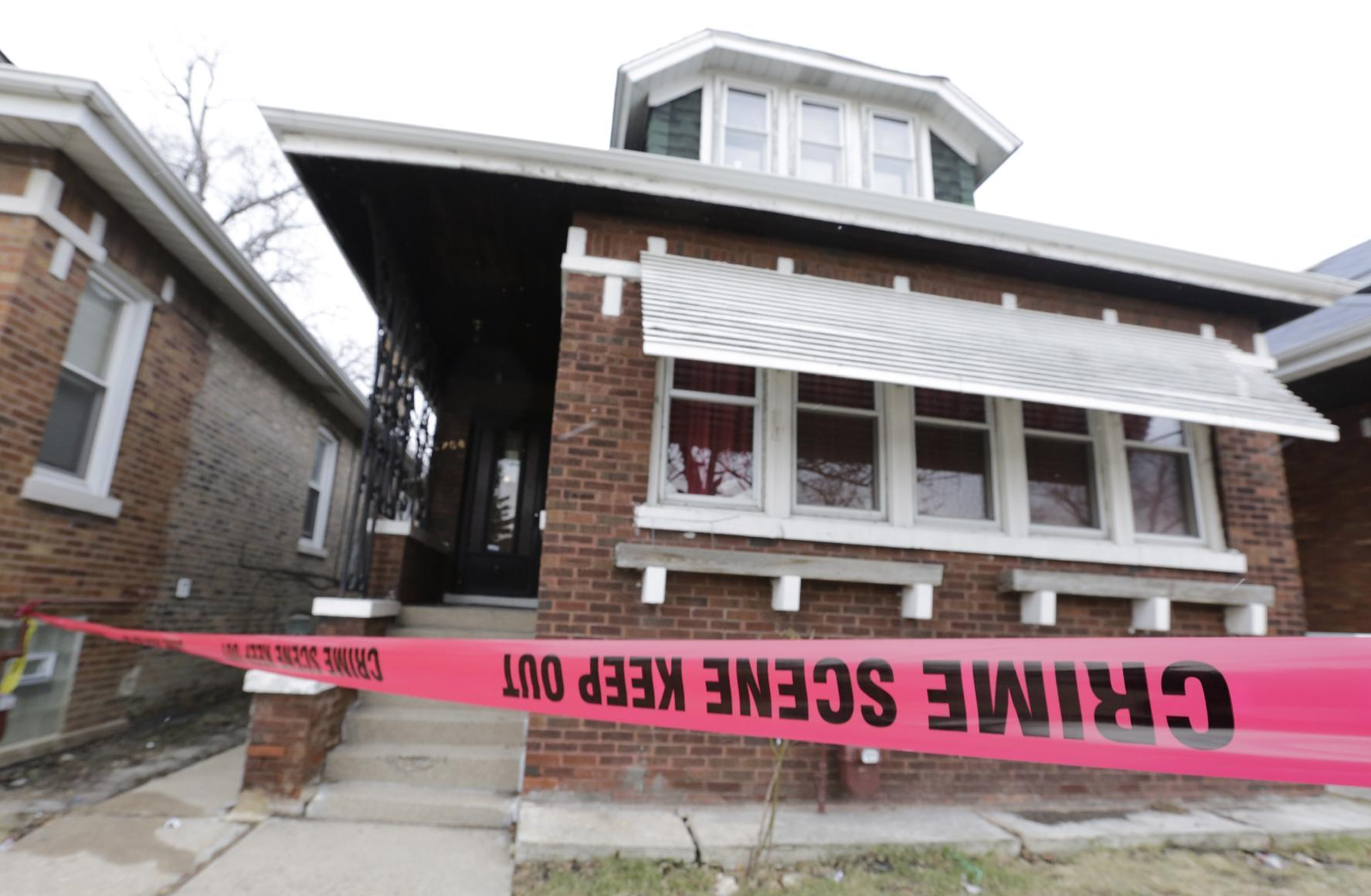 5 victims found in Chicago home stabbed, 1 was shot