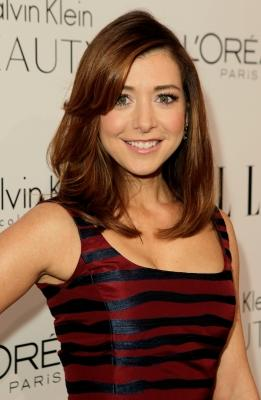 Alyson Hannigan lights up the red carpet of ELLE's 17th Annual Women in Hollywood Tribute at The Four Seasons Hotel on October 18, 2010 in Beverly Hills -- Getty Images