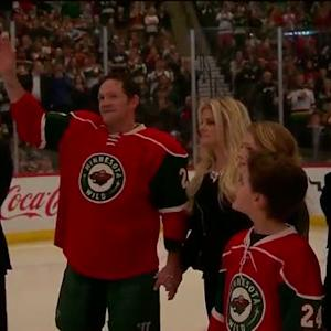Matt Cooke honored before his 1,000th game