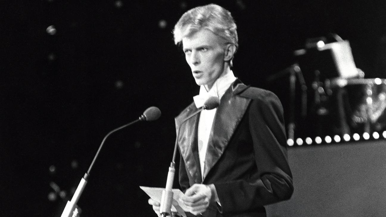 Hollywood Flashback: In 1975, an Admittedly Coked-Up David Bowie Spaced Out at the Grammys
