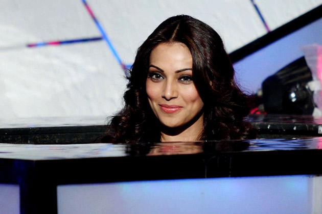 Sexy Bipasha grooves on 'DID'
