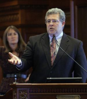 Illinois Rep. Frank Mautino, D-Spring Valley, argues legislation while on the House floor during veto session at the Illinois State Capitol Thursday, Oct. 27, 2011 in Springfield, Ill. (AP Photo/Seth Perlman)