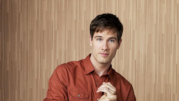 "Luke MacFarlane in the ABC series ""Brothers & Sisters"""