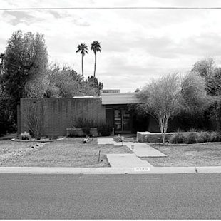 Desert front yard facelift (before)