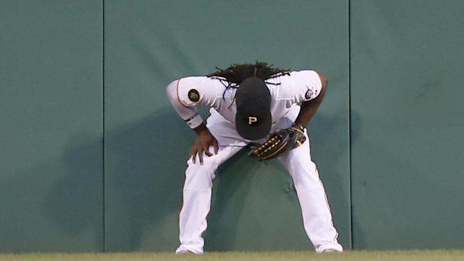 Davis homer in 8th lifts Pirates over Cardinals